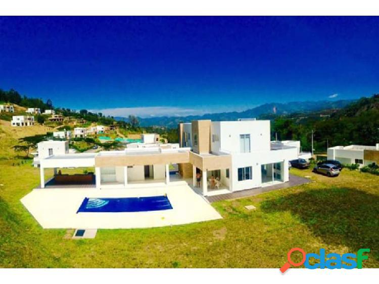 Casa campestre con piscina en condominio en la vega, 6 alcobas,.
