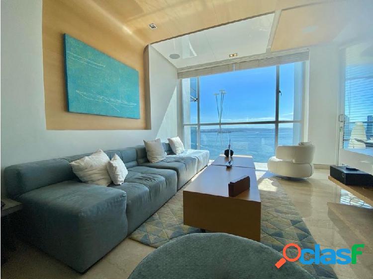 En Venta! Apartamento en Bocagrande frente a la Bahía!