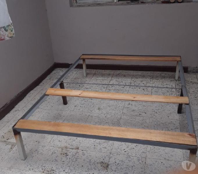 Vendo base metalica doble de cama