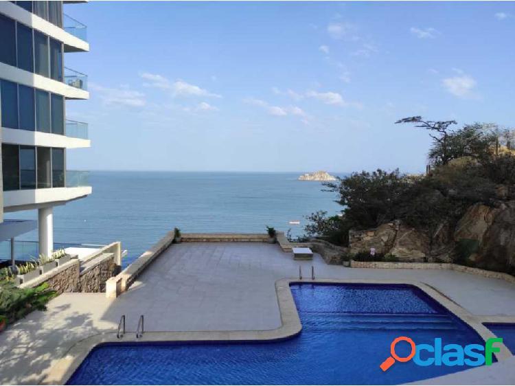 Apartamento frente al mar en venta.