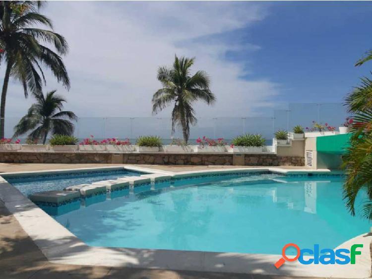 Apartaestudio duplex con salida directa al mar playa salguero 001