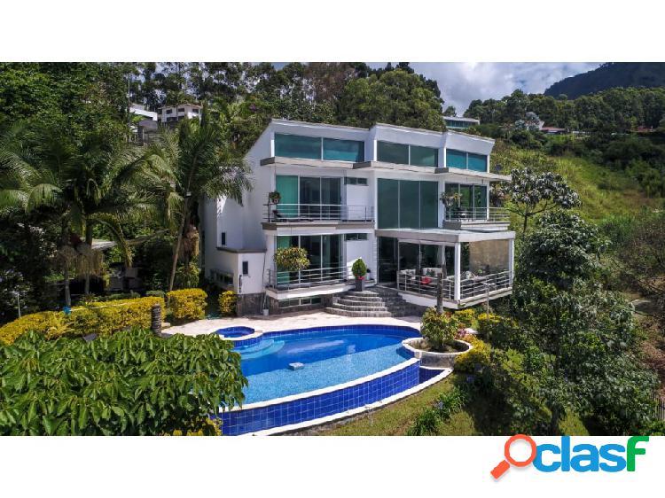 Casa en el Poblado sector las Palmas 2710mts 1