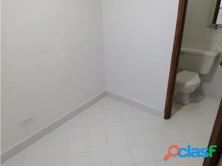 se arrienda apartamento 2 piso en la castellana con patio amplio 2