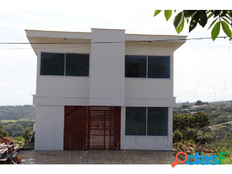 Casa campestre en condominio en potrerito, jamundí.