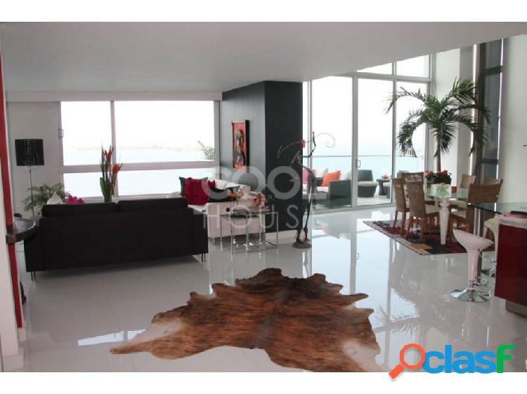 Apartamento con terraza en venta en bocagrande