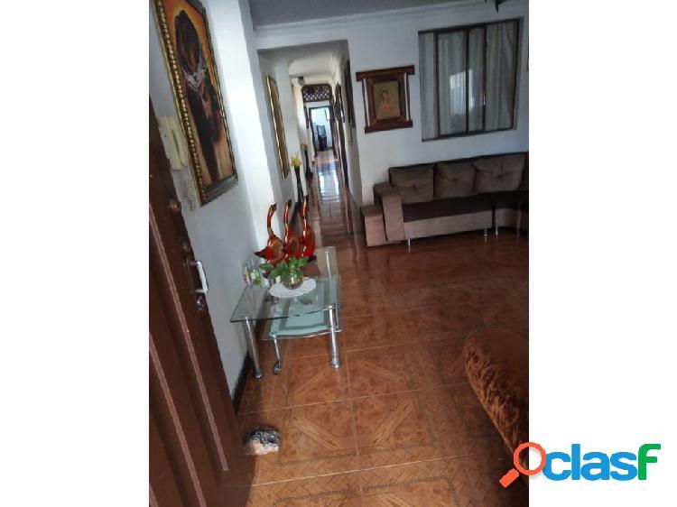 Casa en venta en los ángeles, medellin, primer piso con garaje