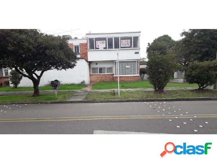 Casa niza antigua 250 mts2 venta $960 mm arriendo $3.9 mm