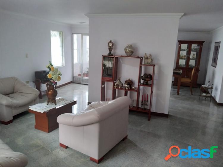 Casa Unifamiliar Medellin Barrio los Colores - Se Vende 3
