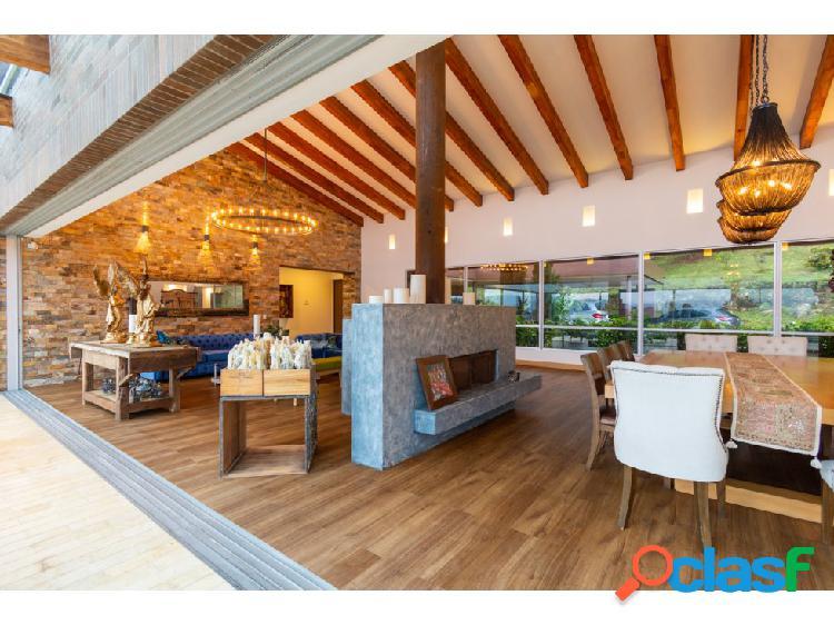 Casa con piscina privada. un solo nivel, hermosa vista - 5 hab