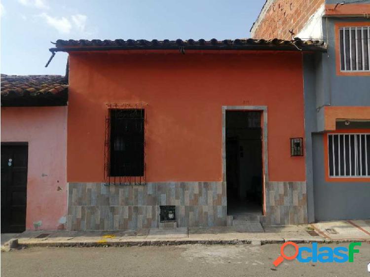 En venta casa económica barrio alfonso lópez