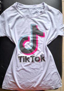 Camiseta de tiktok estampada