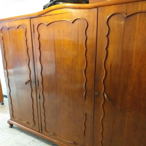 Vendo armario antiguo en cedro