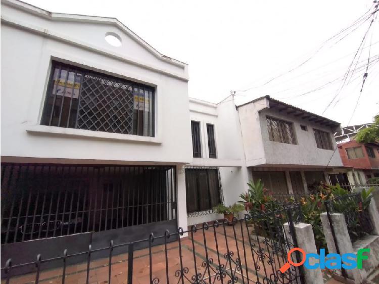 Alquiler casa en 2do piso barrio el refigio