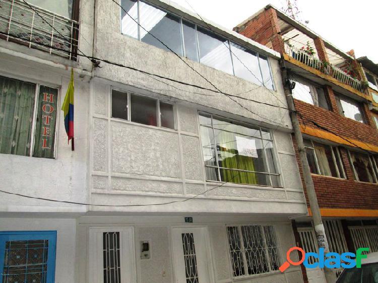 Casa en vision de colombia(bogota) rah co: 21-150