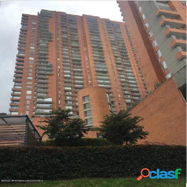 Apartamento en chapinero alto rah co: 21-1257