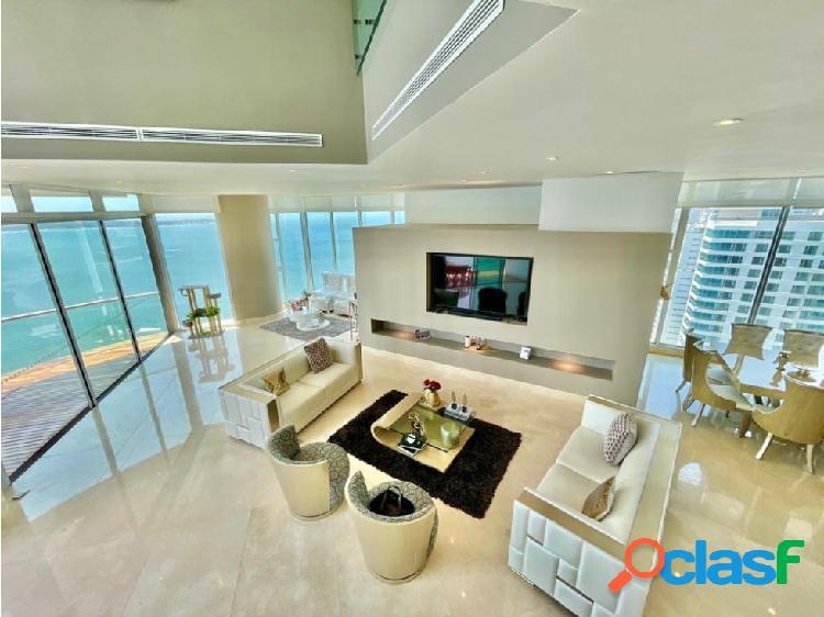 En VENTA!Epectacular apartamento triplex en Castillogrande!