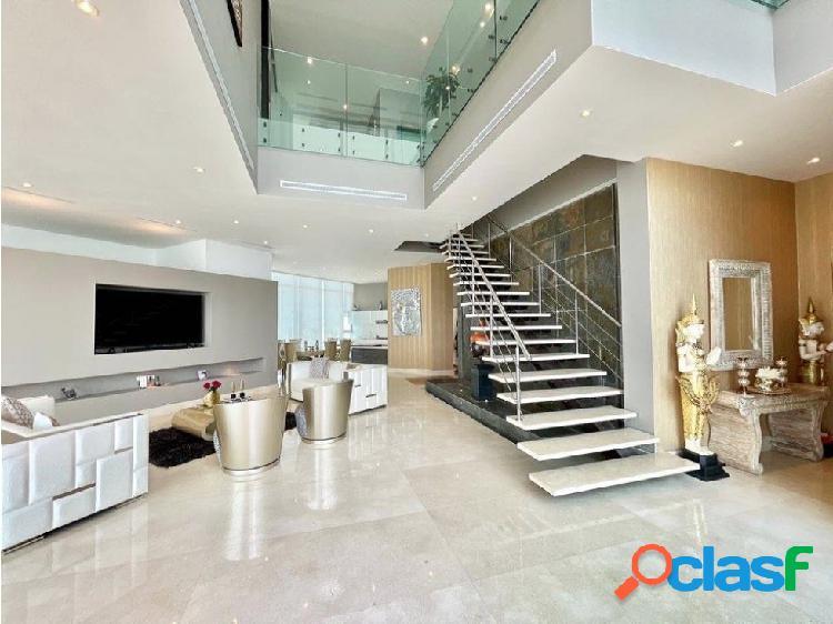 En VENTA!Epectacular apartamento triplex en Castillogrande! 3