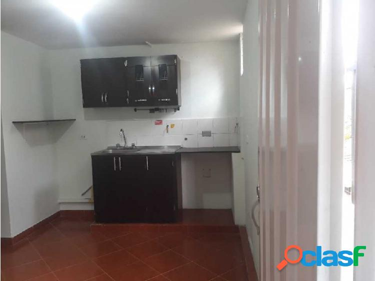 Se arrienda hermoso apartamento sector calasanz