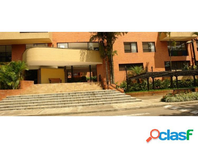 venta apartamento duplex en C. R. ALTOS DE ARBOLEDA, Oeste,(Y.P.)