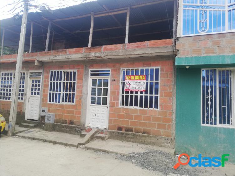 Se alquila casa en el poblado campestre mz 17 casa 160