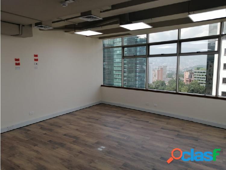 Arriendo oficina 39 m2 cerca de milla de oro del poblado
