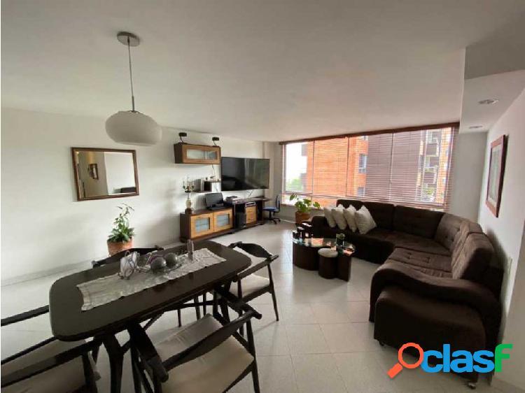 Apartamento amplio en poblado balsos