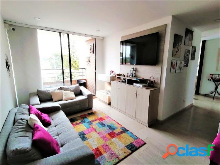 Exterior, cálido y muy bien ubicado apartamento en lisboa