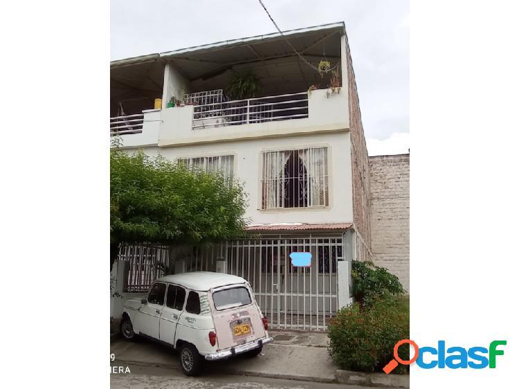 Casa bifamiliar en venta barrio alicanto palmira (la)