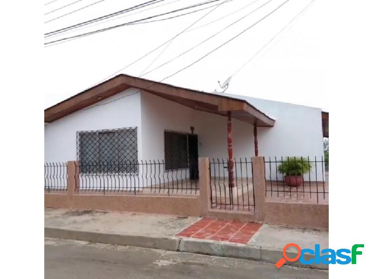 Amplia casa unifamiliar esquinera en venta, barrio santa fè, sincelejo
