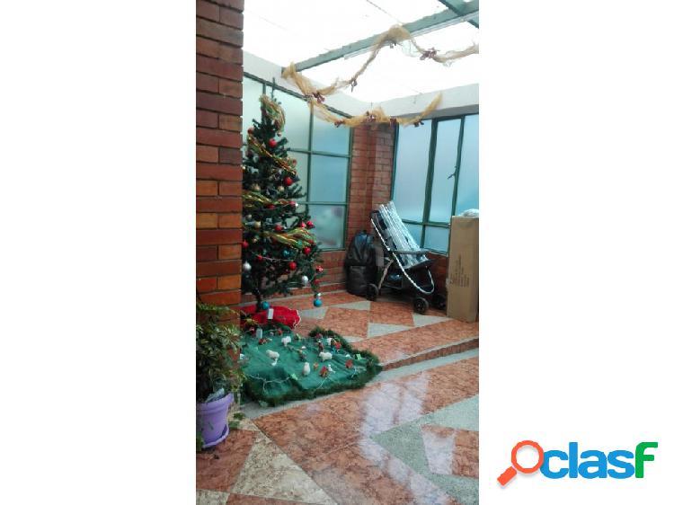 Casa en barandillas dos pisos + Garaje