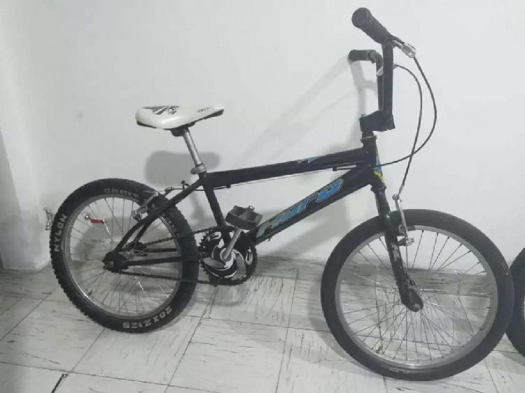 Se vende bicicleta usada