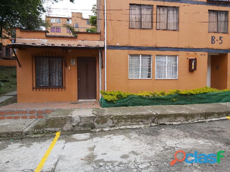 VENDO Apartamento + vivienda construida, Robledo El Diamante Urb Santa Clara 123 mts en total