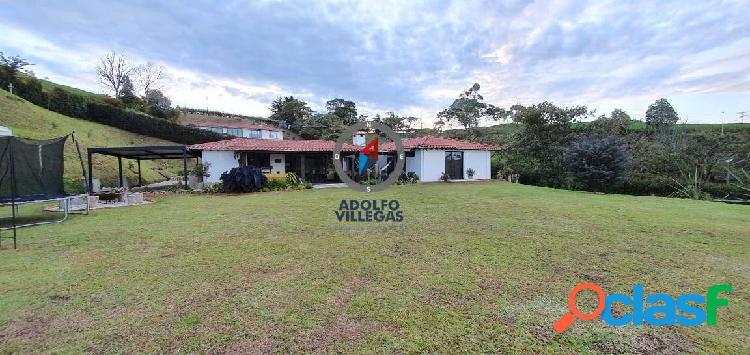 Casa finca para venta en parcelacion de el carmen de viboral 3391
