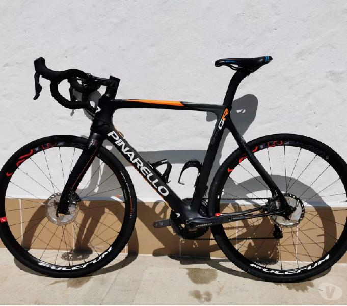 Bici Ruta Pinarello Gant GR Disc DI2