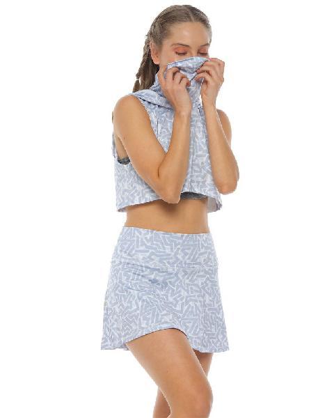 Top con capucha de proteccion, color blanco para mujer talla