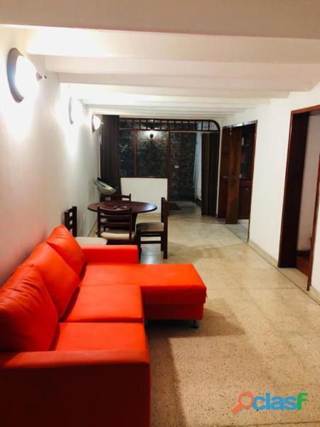 Casa de 2 Pisos en Santa Marta