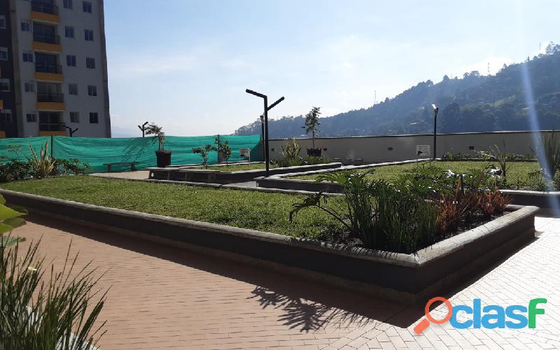 Se vende bonito Apartamento en urb. Sierra Morena, La Estrella. 2