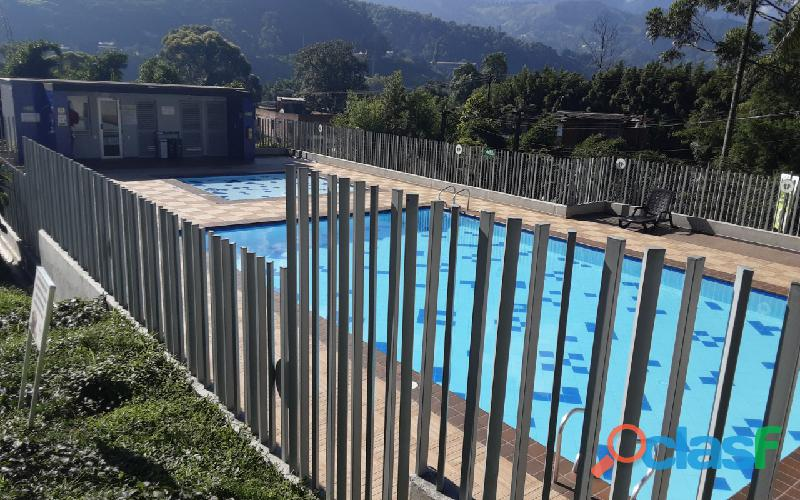 Se vende bonito Apartamento en urb. Sierra Morena, La Estrella. 5