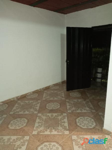 VENDO CASA DE 2 PISOS INDEPENDIENTES CON TERRAZA Y GARAJE, en Villa Paulina 1 6
