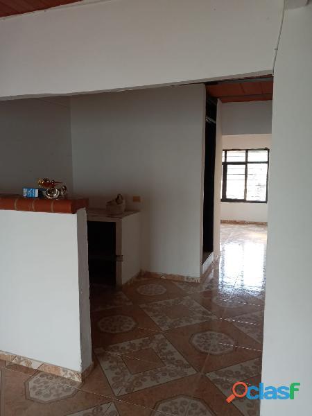VENDO CASA DE 2 PISOS INDEPENDIENTES CON TERRAZA Y GARAJE, en Villa Paulina 1 7