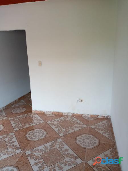 VENDO CASA DE 2 PISOS INDEPENDIENTES CON TERRAZA Y GARAJE, en Villa Paulina 1 8