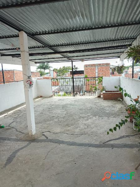 VENDO CASA DE 2 PISOS INDEPENDIENTES CON TERRAZA Y GARAJE, en Villa Paulina 1 13