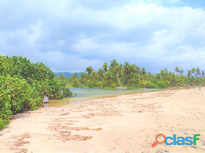Finca con Rio y Playa en Palomino, Colombia 1